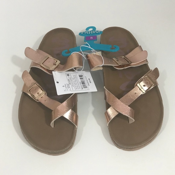 e5467961351b NWT Mad Love Rose Gold Prudence footbed Sandal